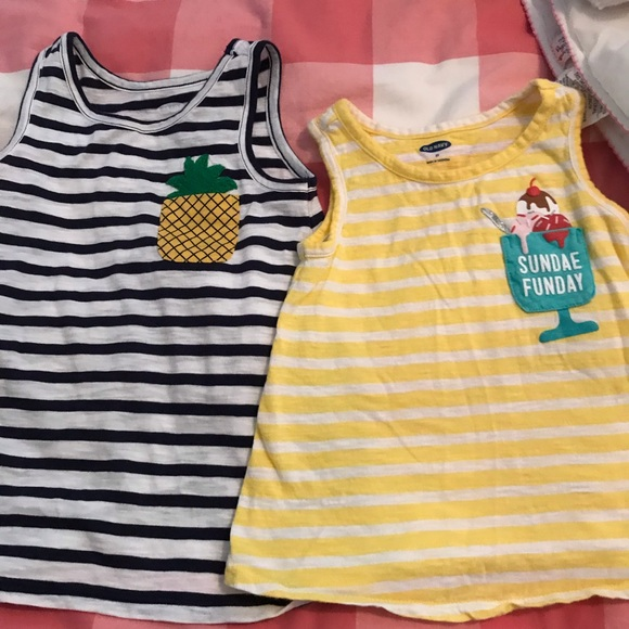 Old Navy Other - Old Navy Tanks